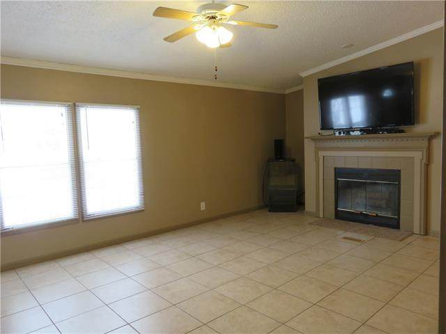 31901 E Sun Down Valley Road, Buckner, MO 64016 (#2305385) :: Team Real Estate
