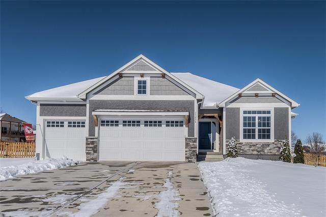 15024 Lakeview Place, Basehor, KS 66007 (#2305450) :: The Rucker Group