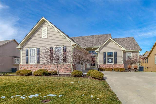 15904 E 29th Street Court, Independence, MO 64055 (#2305509) :: The Kedish Group at Keller Williams Realty