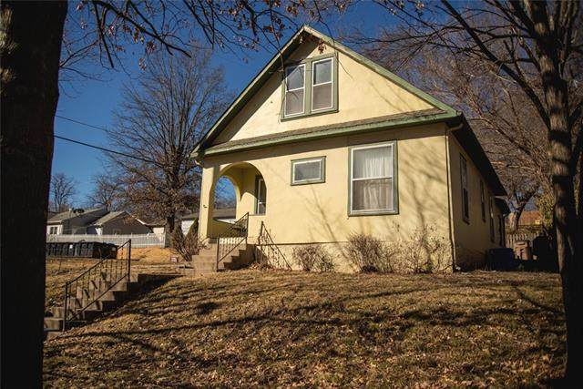 319 N 13th Street, Atchison, KS 66002 (#2305567) :: Edie Waters Network