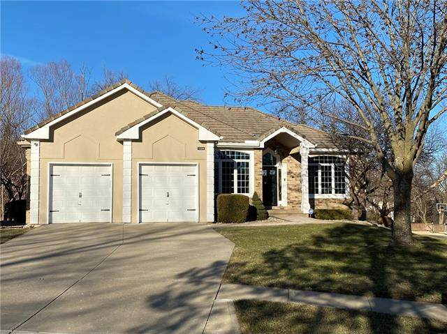 5308 W 154th Street, Leawood, KS 66224 (#2305625) :: House of Couse Group