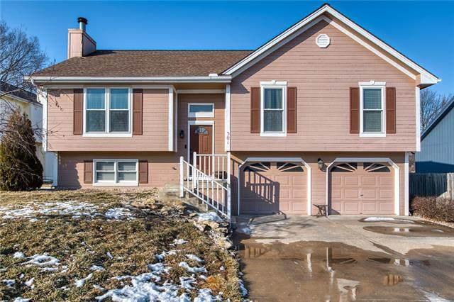 301 Mesa Drive, Smithville, MO 64089 (#2305660) :: The Rucker Group