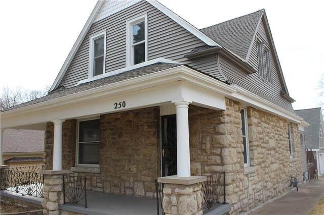 250 N Thorpe Street, Kansas City, KS 66102 (#2305787) :: Dani Beyer Real Estate