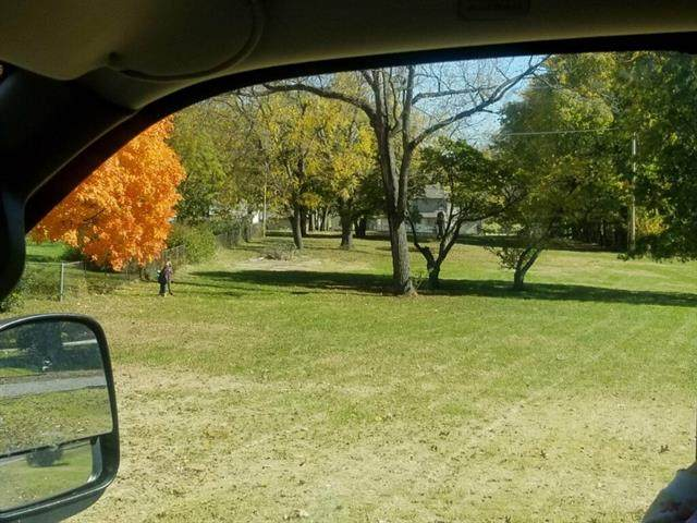 13201 13th Street, Grandview, MO 64030 (#2305815) :: Austin Home Team