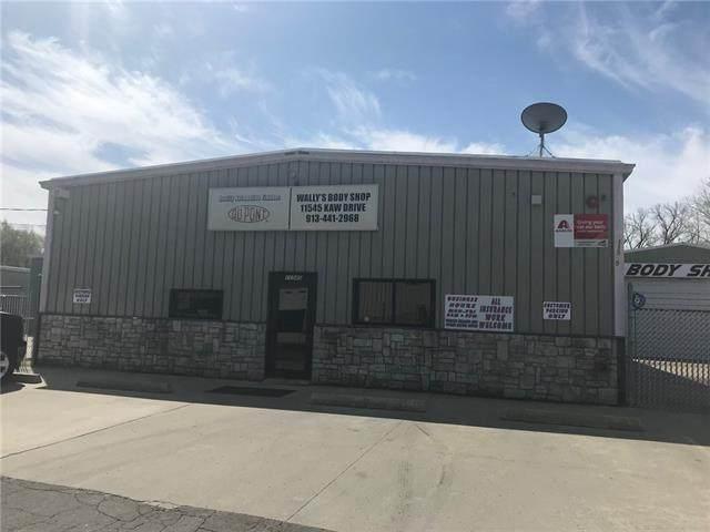 11545 Kaw Drive, Bonner Springs, KS 66111 (#2305838) :: The Rucker Group