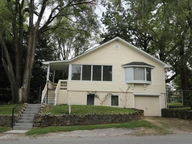 715 Garfield Street, Leavenworth, KS 66048 (#2305957) :: The Kedish Group at Keller Williams Realty