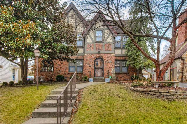 417 W 70TH Street, Kansas City, MO 64113 (#2305965) :: Team Real Estate