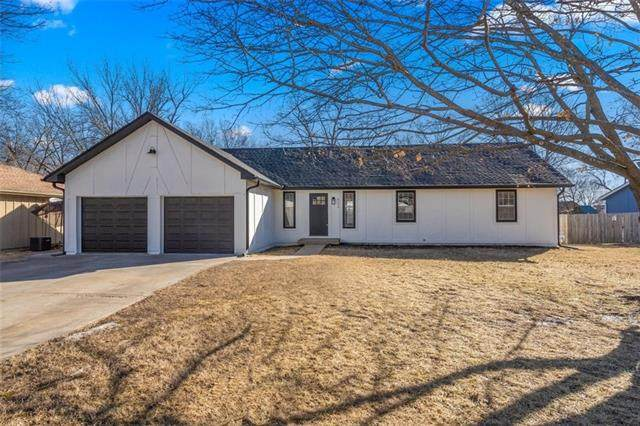 8539 Stearns Road, Overland Park, KS 66214 (#2306160) :: Ask Cathy Marketing Group, LLC