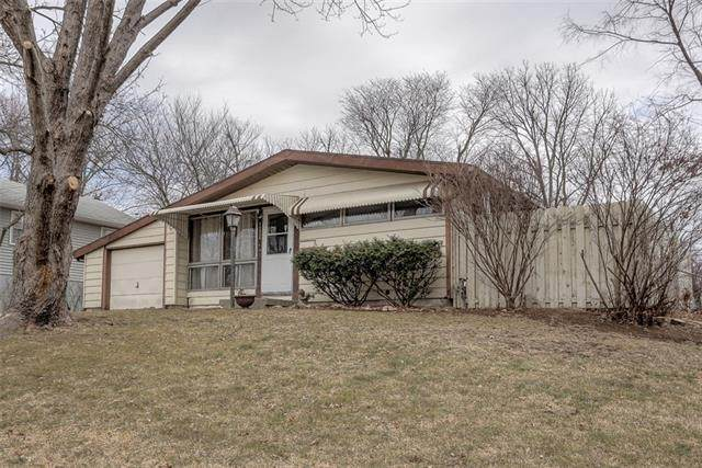 11315 Cleveland Avenue, Kansas City, MO 64137 (#2306188) :: Team Real Estate