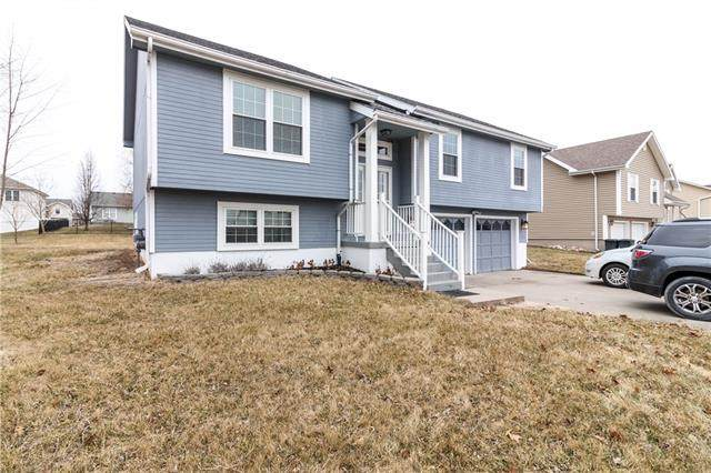 1192 SE 125th Road, Knob Noster, MO 65336 (#2306289) :: Edie Waters Network