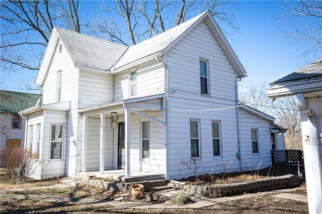 418 Locust Street, Mound City, KS 66056 (#2306342) :: Beginnings KC Team