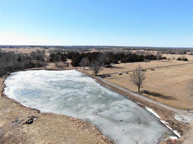 00001 W 327th Street, Paola, KS 66701 (#2306416) :: Ron Henderson & Associates