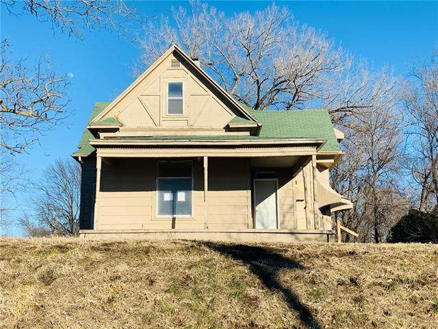 3121 S 28 Street, St Joseph, MO 64503 (#2306436) :: Eric Craig Real Estate Team