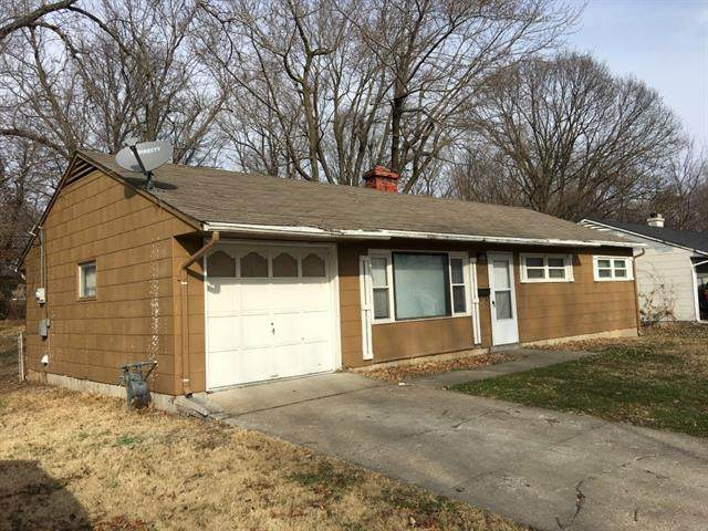 10920 Bristol Terrace, Kansas City, MO 64134 (#2306446) :: Five-Star Homes