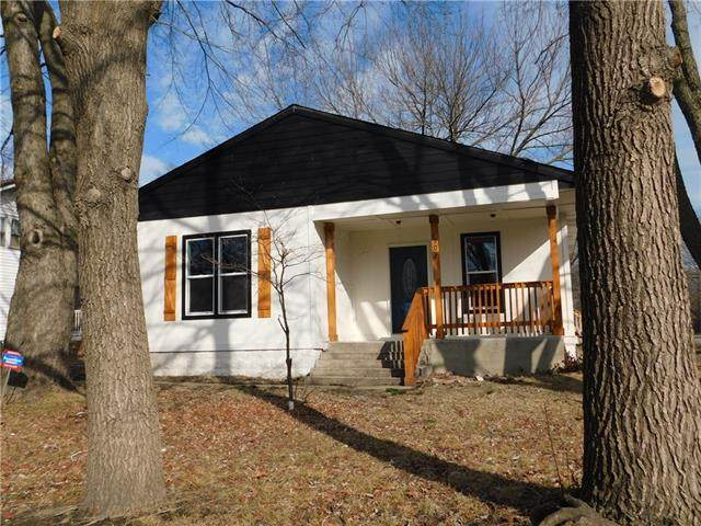 907 S Independence Street, Harrisonville, MO 64701 (#2306537) :: Team Real Estate