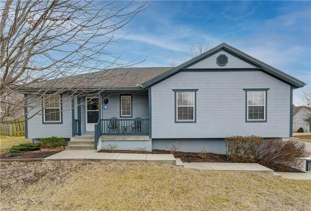 1505 Cottonwood Drive, Greenwood, MO 64034 (#2306605) :: Edie Waters Network