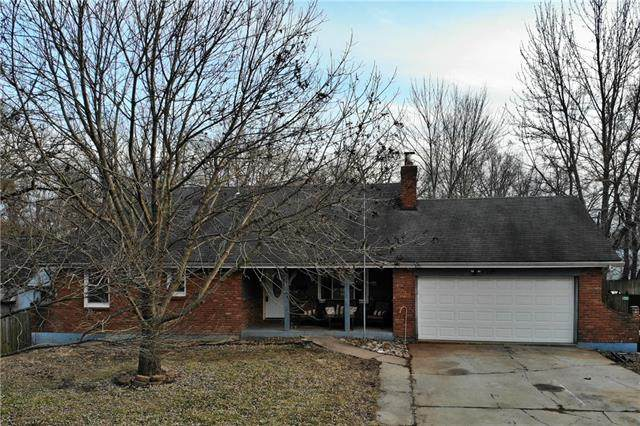821 W 27th Street, Independence, MO 64052 (#2306679) :: The Shannon Lyon Group - ReeceNichols