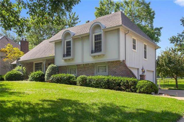811 W 114th Terrace, Kansas City, MO 64114 (#2306685) :: Edie Waters Network