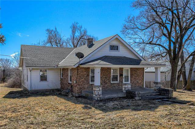 211 Miller Avenue, Excelsior Springs, MO 64024 (#2306701) :: The Shannon Lyon Group - ReeceNichols