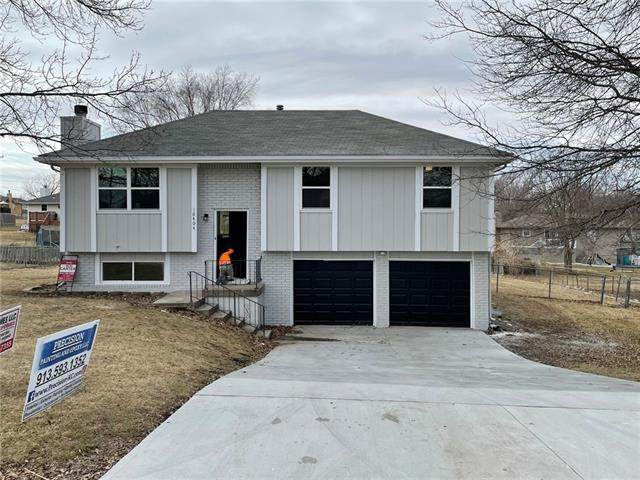 10404 N Mcgee Street, Kansas City, MO 64155 (#2306781) :: House of Couse Group