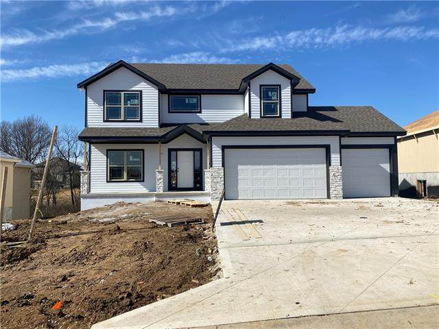 8720 N Cypress Court, Kansas City, MO 64156 (#2306785) :: Beginnings KC Team