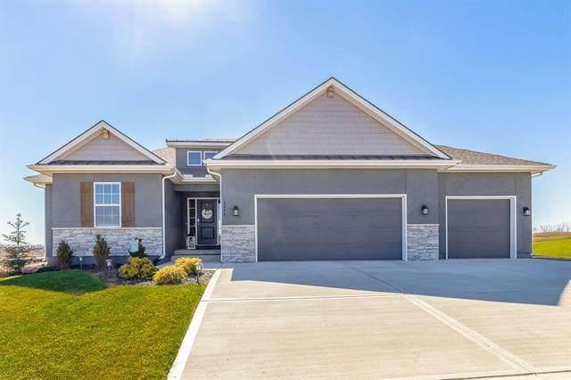 4246 Lakeview Terrace, Basehor, KS 66007 (#2306835) :: The Rucker Group