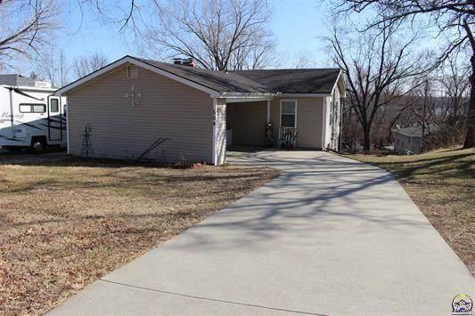 504 Sioux Drive, Ozawkie, KS 66070 (#2306849) :: The Kedish Group at Keller Williams Realty
