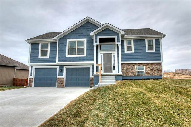421 Lilly Lane, Liberty, MO 64068 (#2306895) :: Edie Waters Network