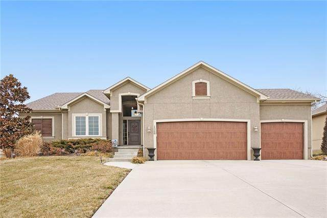 15288 Pine Ridge, Basehor, KS 66007 (#2307084) :: The Rucker Group