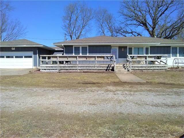 1982 245th Street Street, Fort Scott, KS 66701 (#2307200) :: Dani Beyer Real Estate