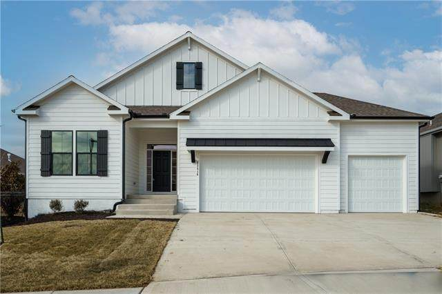 23595 W 89th Terrace, Lenexa, KS 66227 (#2307220) :: Team Real Estate