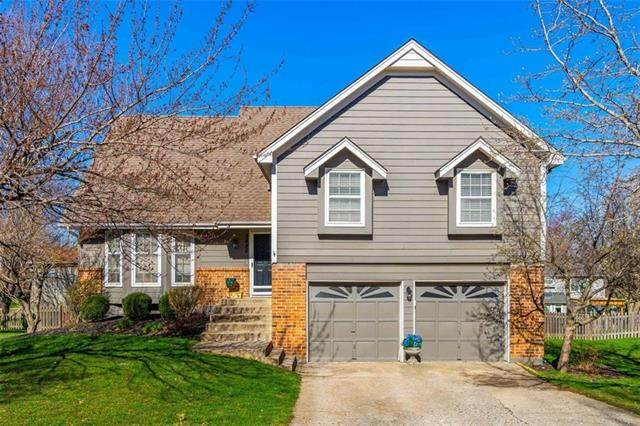 8442 Darnell Street, Lenexa, KS 66215 (#2307395) :: Dani Beyer Real Estate