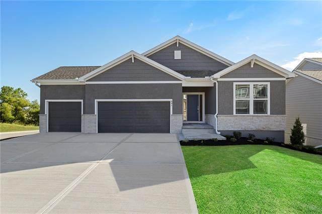 1034 SW Cheshire Drive, Lee's Summit, MO 64083 (#2307523) :: Dani Beyer Real Estate