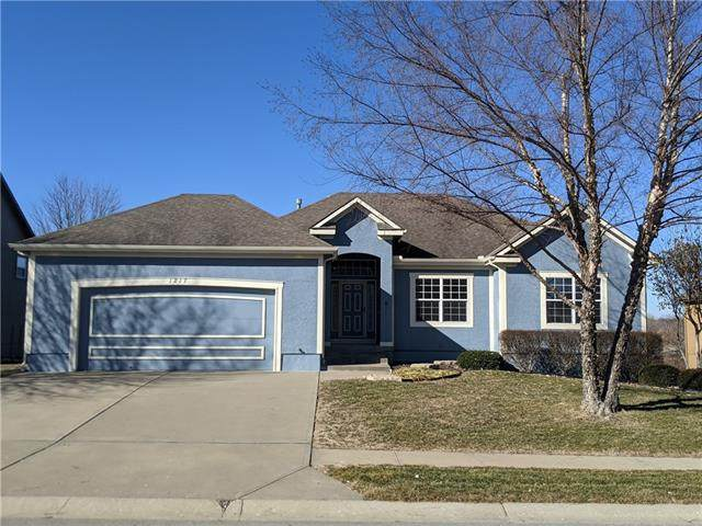 1217 Wiltshire Boulevard, Raymore, MO 64083 (#2307624) :: Five-Star Homes