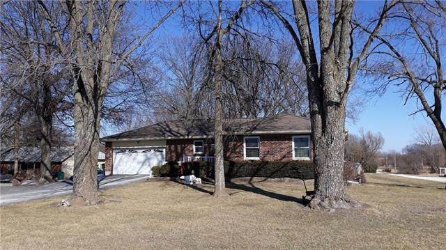 21947 Nall Road, Bucyrus, KS 66013 (#2307693) :: Dani Beyer Real Estate