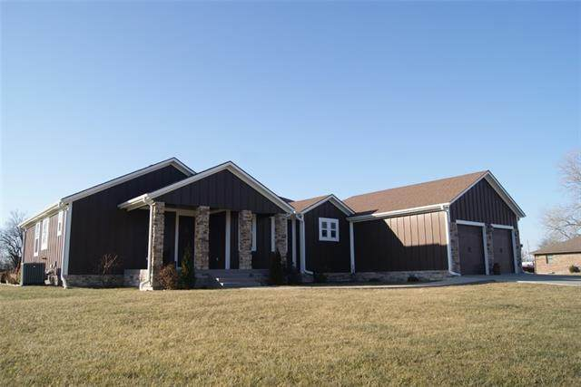 430 Sunset View Drive, Butler, MO 64730 (#2307720) :: Ask Cathy Marketing Group, LLC