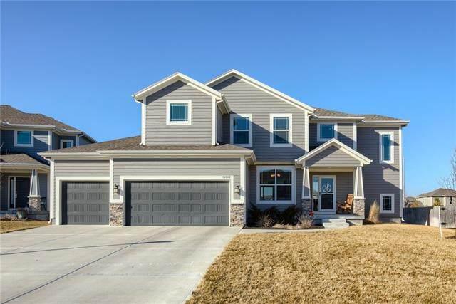 19016 W 167th Terrace, Olathe, KS 66062 (#2307732) :: Dani Beyer Real Estate