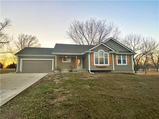 809 Beulah Street, Garden City, MO 64747 (#2307788) :: Dani Beyer Real Estate