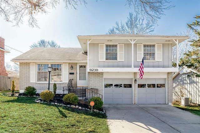 9239 Wyandotte Street, Kansas City, MO 64114 (#2307855) :: Dani Beyer Real Estate