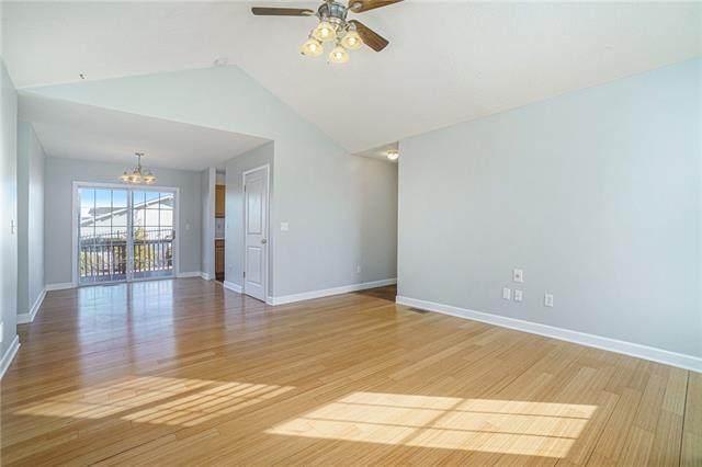 8285 N Revere Avenue, Kansas City, MO 64151 (#2307873) :: Five-Star Homes