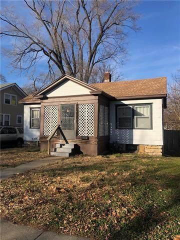 2210 E Gregory Boulevard, Kansas City, MO 64132 (#2307901) :: Dani Beyer Real Estate