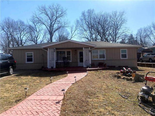 8515 Troup Avenue, Kansas City, KS 66112 (#2307942) :: Ron Henderson & Associates