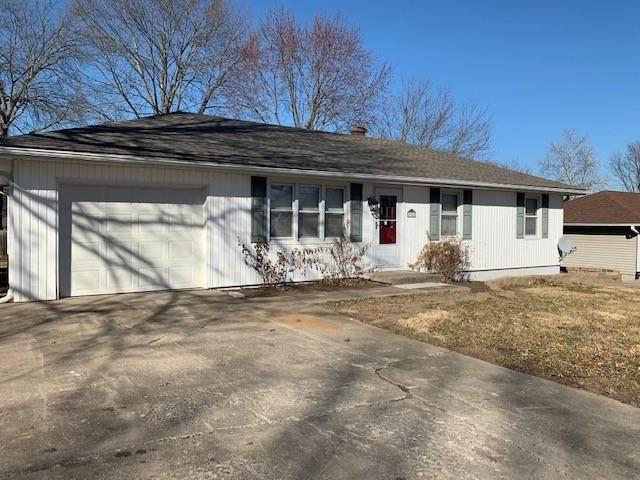 502 W 32nd Street, Higginsville, MO 64037 (#2307965) :: Dani Beyer Real Estate