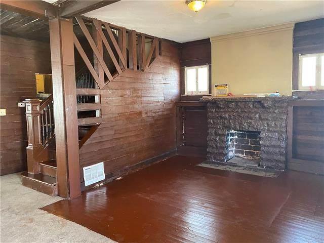 2915 E 30 Street, Kansas City, MO 64128 (#2307973) :: Dani Beyer Real Estate