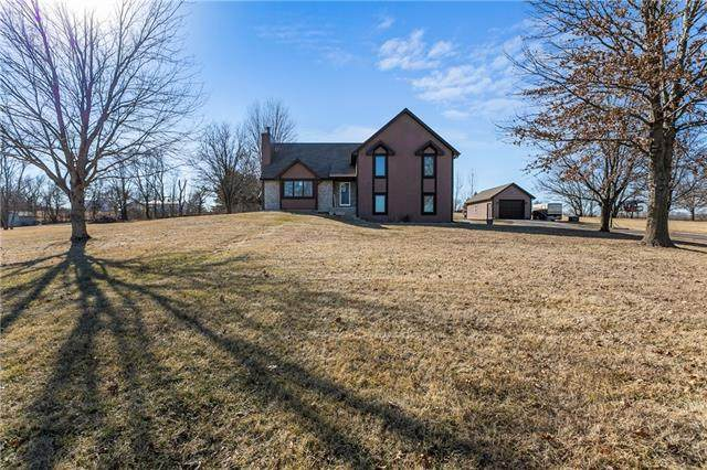 12612 N Southridge Drive, Liberty, MO 64068 (#2307975) :: Ask Cathy Marketing Group, LLC