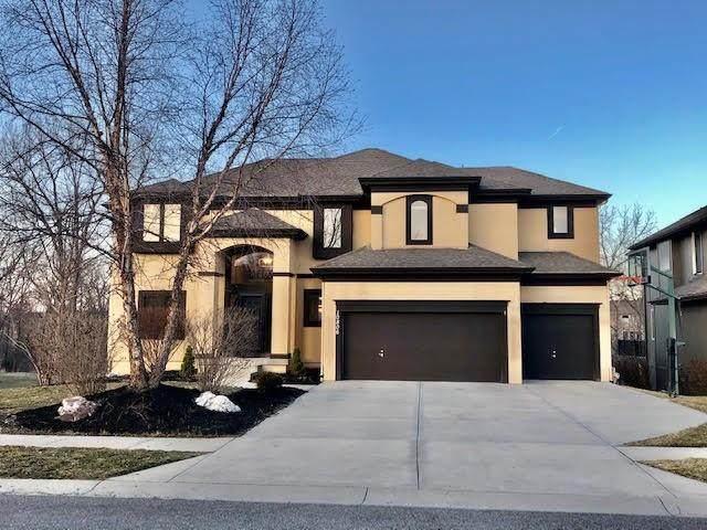 10806 W 163rd Terrace, Overland Park, KS 66221 (#2308014) :: Team Real Estate