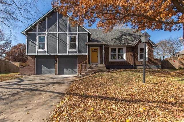 7914 NW Anita Drive, Kansas City, MO 64151 (#2308017) :: Five-Star Homes