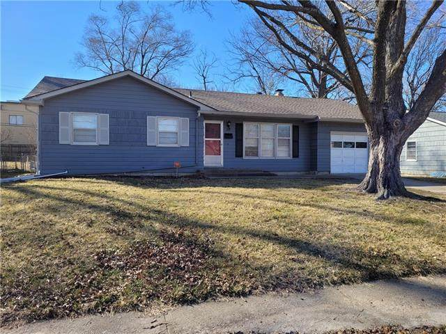 117 NW 6TH Street, Blue Springs, MO 64014 (#2308028) :: The Rucker Group