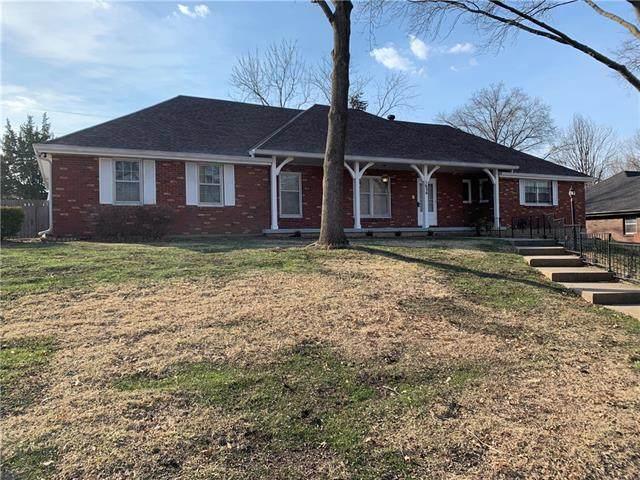 1626 N 77th Terrace, Kansas City, KS 66112 (#2308066) :: Five-Star Homes