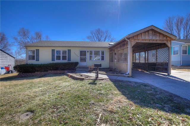 16609 E 2ND Street, Independence, MO 64056 (#2308075) :: The Rucker Group